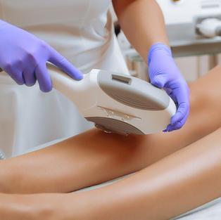 Zeit sparen: Enthaarung für Beine & Füße