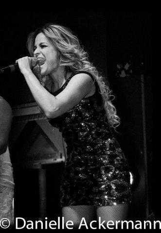 Camila Arantes-Singer-Brazil Music