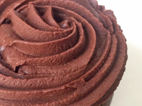 Cupcakes au chocolat fourrés à la pâte à tartiner
