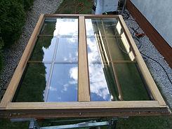 skrzydło okna drewnianego w trakcie renowacji vglass.pl