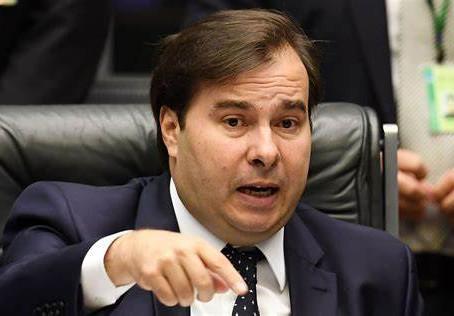 Rodrigo Maia defende importância de sindicatos