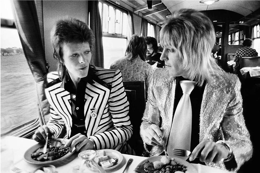 David Bowie e Mick Ronson fotografati dal fotografo musicale Mick Rock