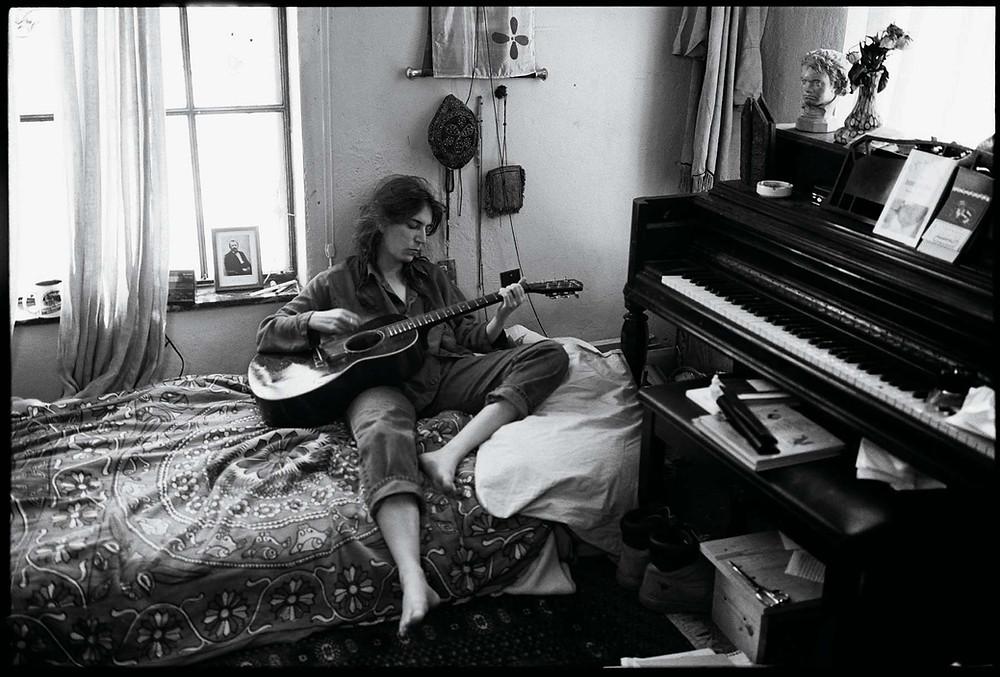 Patti Smith fotografata dalla fotografa musicale Annie Leibovitz