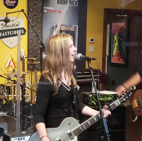 TRUST in studio guitar