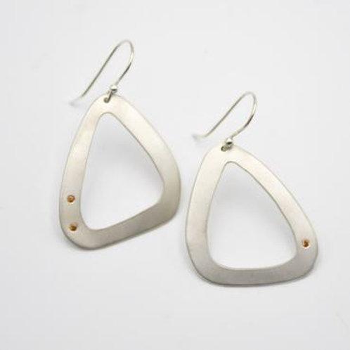 Silver Triangles with Three Spessartite Garnets