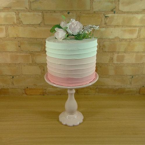 Locação de bolo fake branco e rosa degradê em curitiba