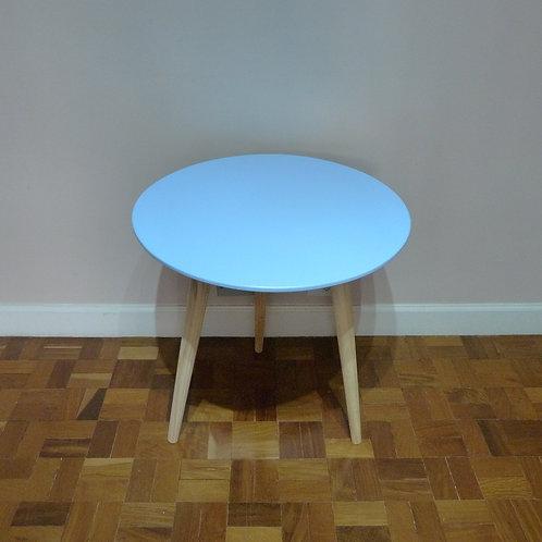 Aluguel de mesa redonda azul para festas