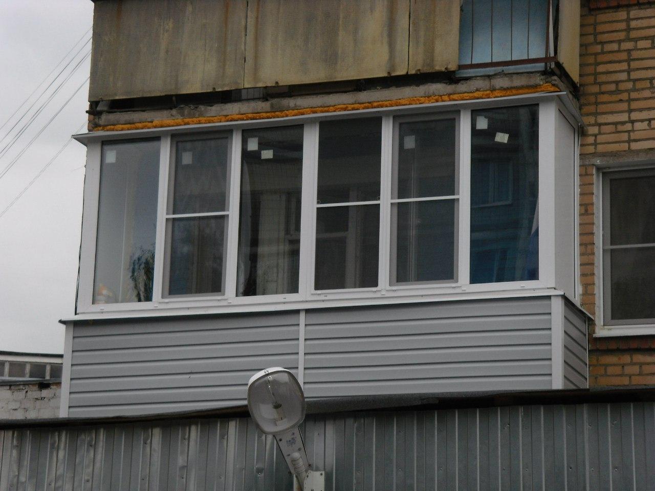 Отделка балкона 4 метра сайдингом в