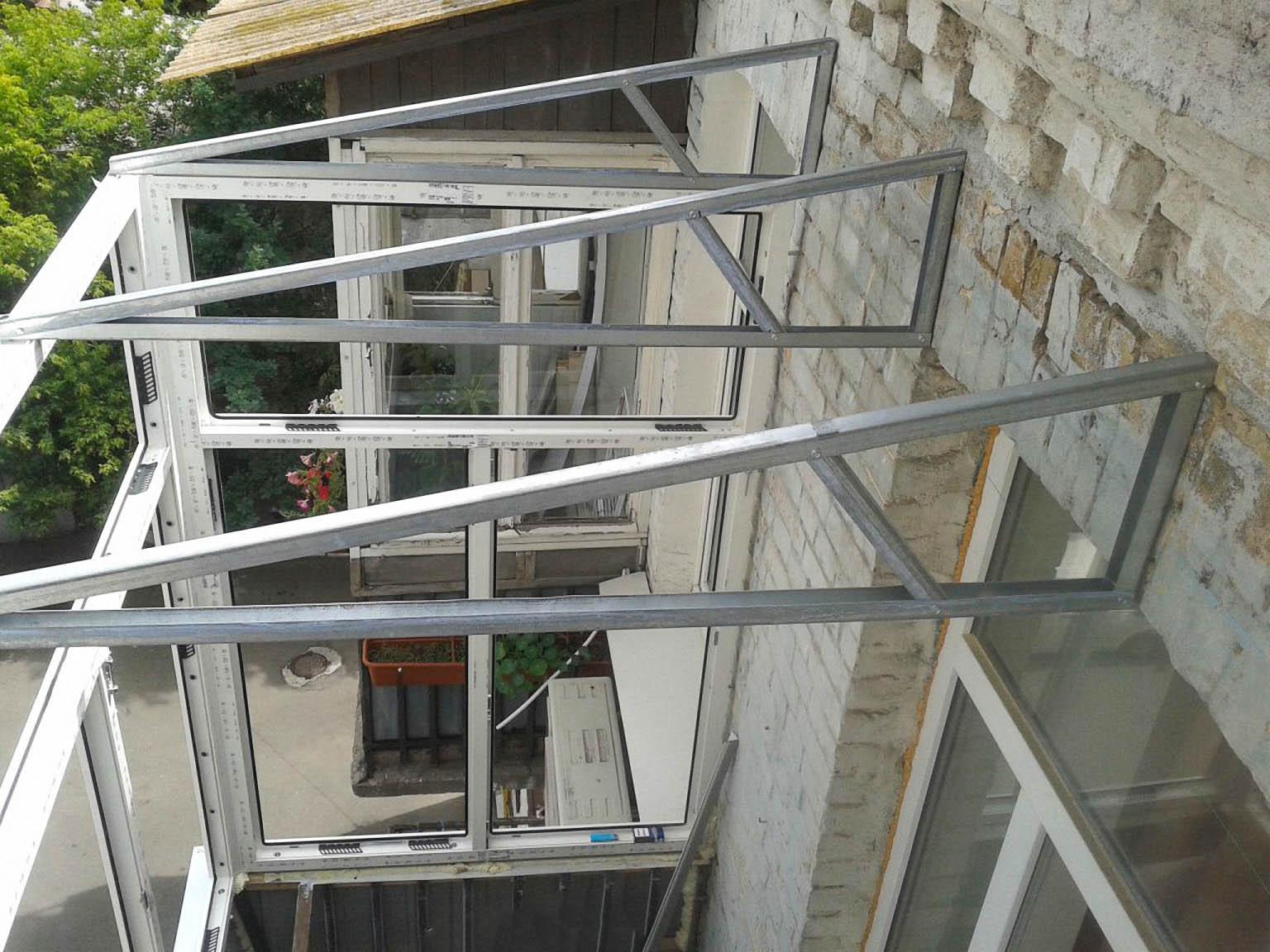 Монтаж крыши на балконе для ПВХ