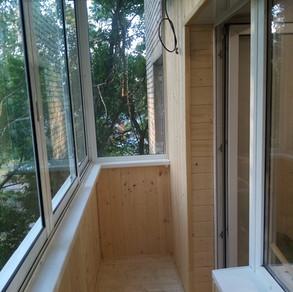Внутренняя отделка балкона в хрущевке в Серпухове
