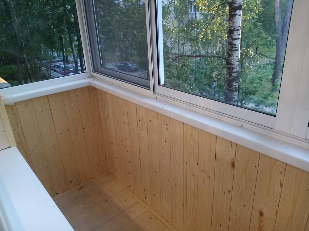 отделка балкона в серпухове