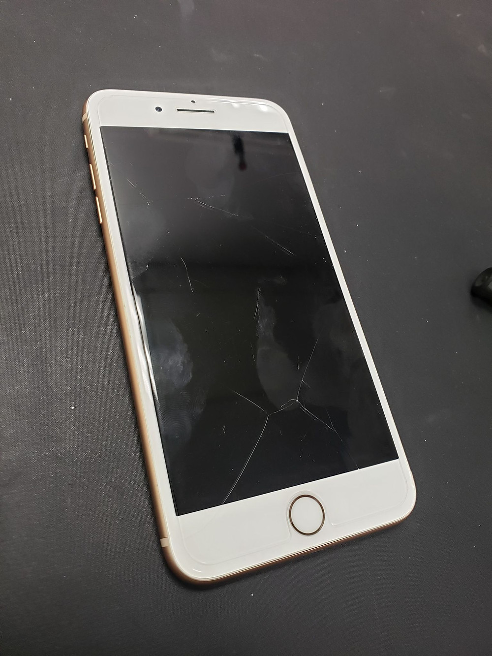 Dead iPhone in for Data Recovery