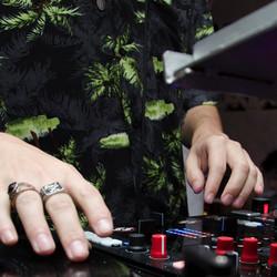 House DJ STL