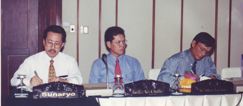 Chairing HAZOP Study at Badak LNG Plant