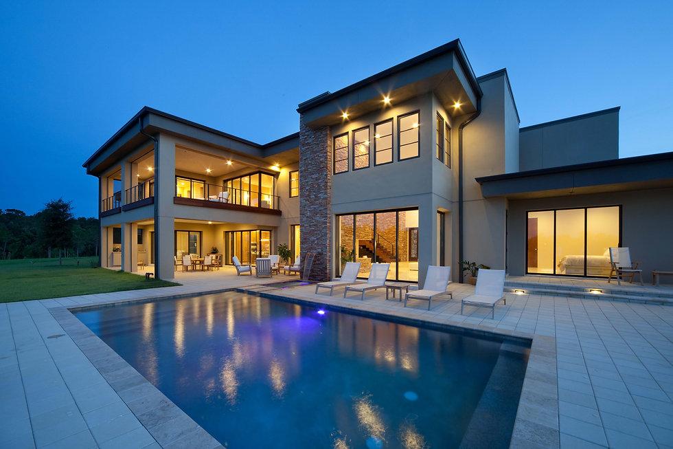 Luxury Home1.jpg