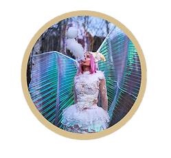 BECKY BUBBLES 3 GOLD CIRCLE.png