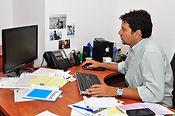 צוות אינפובייס מיישם תוכנה לניהול עסק קטן