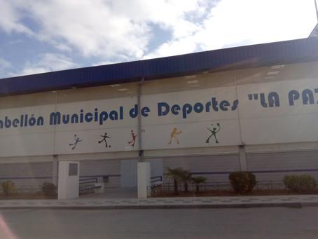 El PSOE inicia los trámites para resolver el problema de la insonorización del pabellón deportivo de