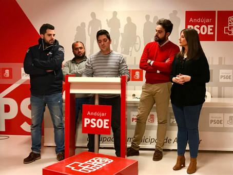 Juventudes Socialistas piden a los jóvenes del PP que dejen de reclamar a las administraciones gober