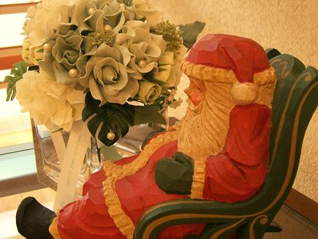 院内にクリスマスの飾りが並び始めました