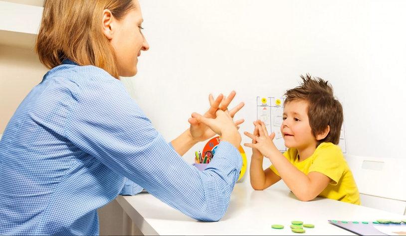 детский невролог за работой
