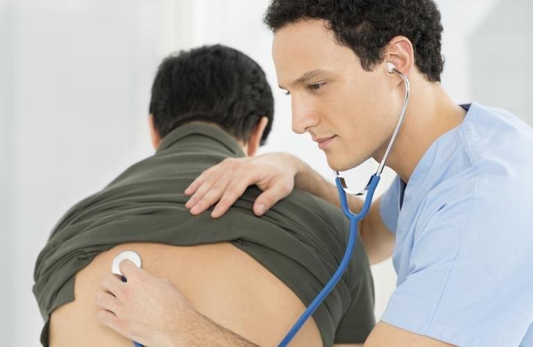 Осмотр у врача-пульмонолога