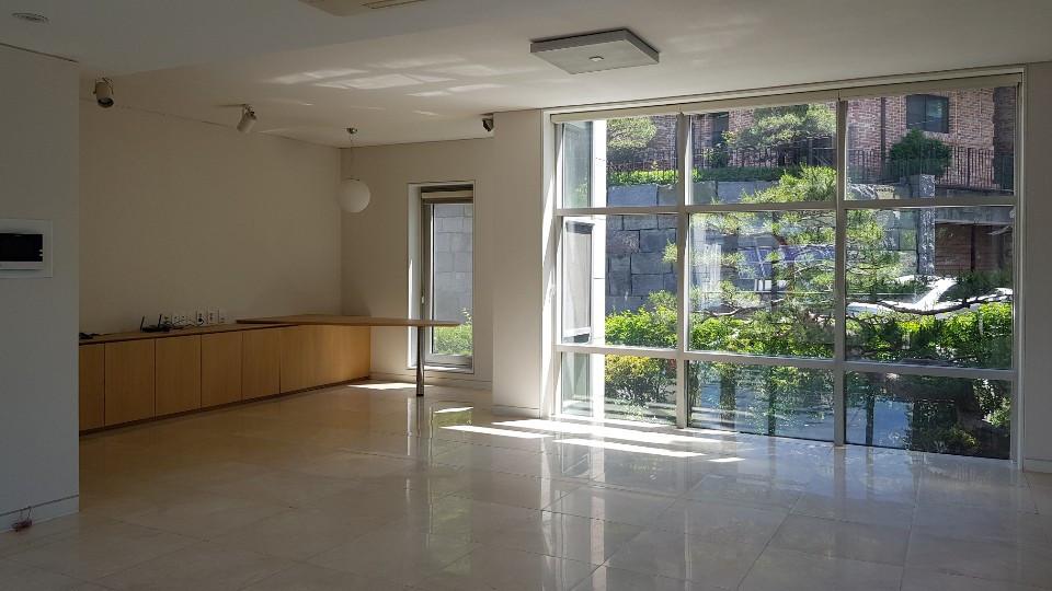 1fl livingroom