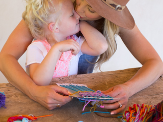 CRAFTS FOR THE KIDLETS: DIY WOVEN WALL HANG