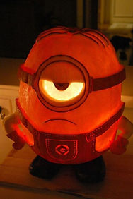 gallery-1477649226-minion-pumpkin.jpg