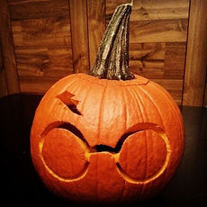 gallery-1477647678-harry-potter-pumpkin.