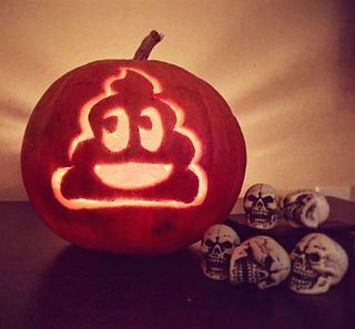 gallery-1477650980-emoji-pumpkin.jpg