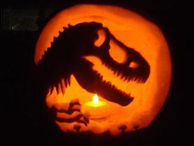 gallery-1477651166-jurassic-park-pumpkin