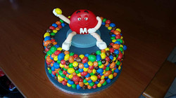 M & M taart made by Cabolicious