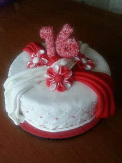 Sweet 16 taart made by Cabolicious
