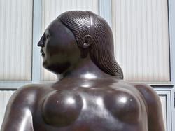 Fernando Botero - Donna seduta - Seated Woman h. cm. 300 (5).jpg