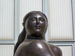 Fernando Botero - Donna seduta - Seated Woman h. cm. 300 (9).jpg