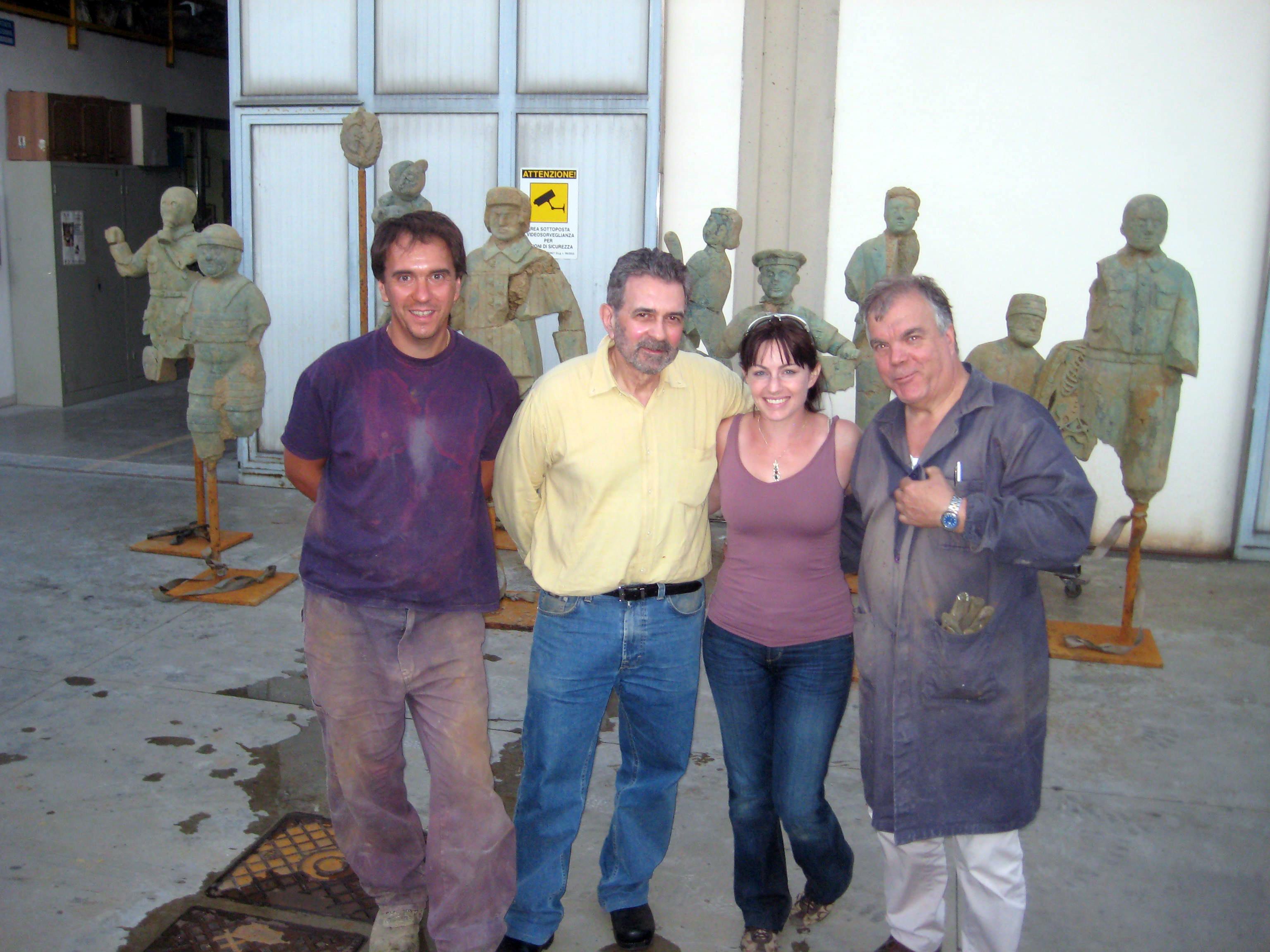 Grisha Bruskin con Giacomo ed  Enrico Salvadori  - Collezione dell'Archeologo