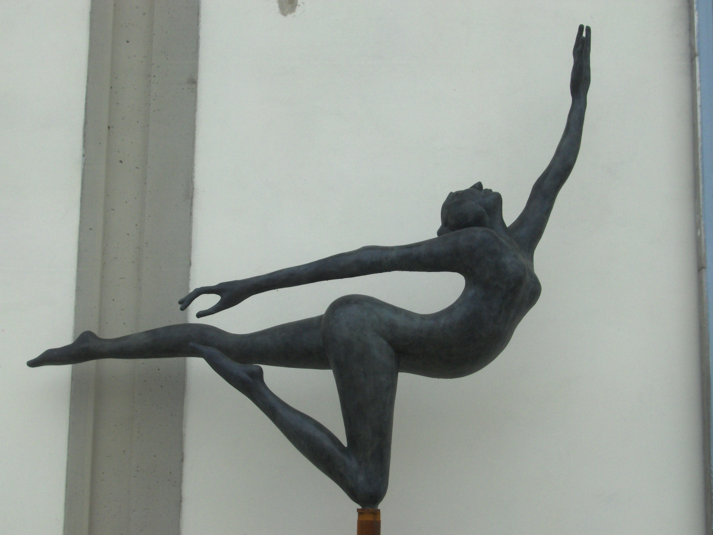Manzi Antonio - Ballerina 2 h. cm. 200, installata a Lastra a Signa (FI)