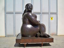 Fernando Botero - Donna seduta - Seated Woman h. cm. 300 (6).jpg