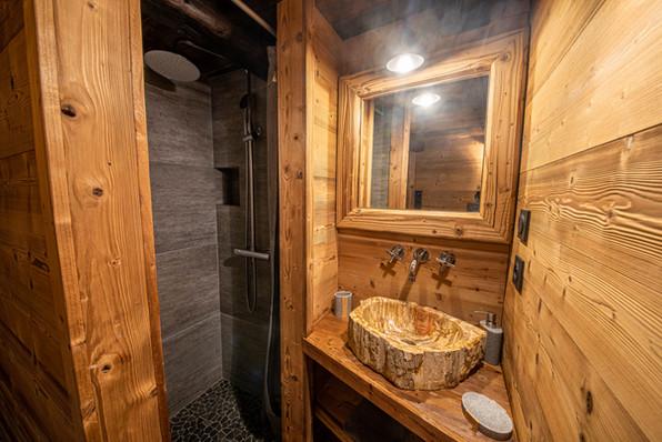 salle d'eau chambre 2 rdc