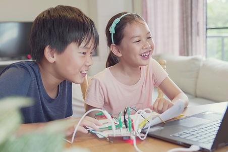 เด็กเรียน coding