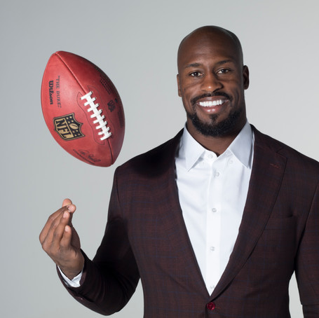 NFL Star Vernon Davis Catches Acting Career After Football