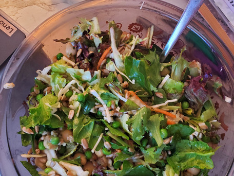 Building a Salad that's a Meal (& that you want to eat!)