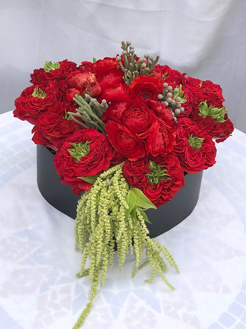 Beguiling Red-Green Eyed Garden Roses and Ranunculus