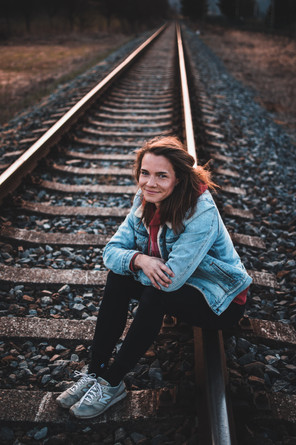 Portrét ženy na kolejích, Zlín