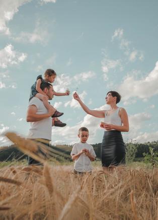 fotografie rodiny v přírodě