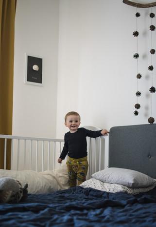 Dítě v postýlce