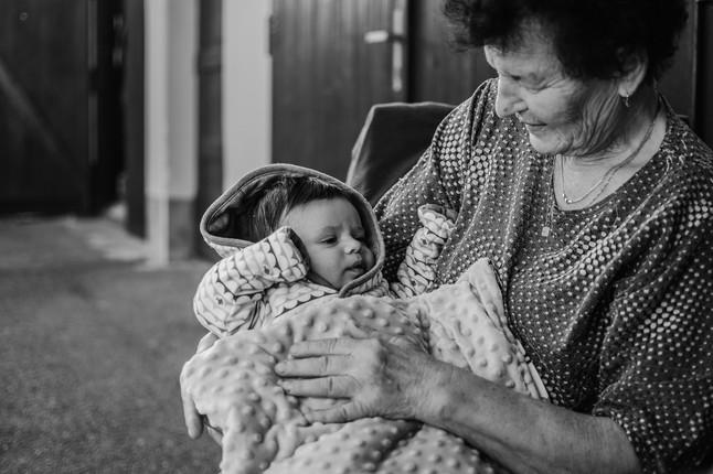Rodinné focení babičky s vnukem