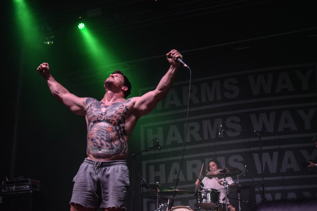 Frontman hardcore metalové kapely Harms Way James Pligge