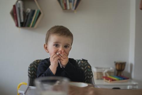 Fotografie dítě u oběda ve městě Valašské Meziříčí